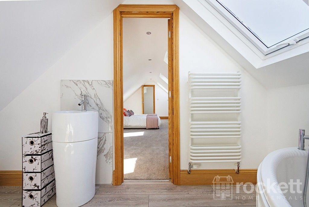 6 bed house to rent  - Property Image 53