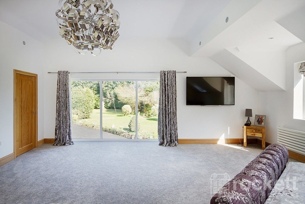 6 bed house to rent  - Property Image 57
