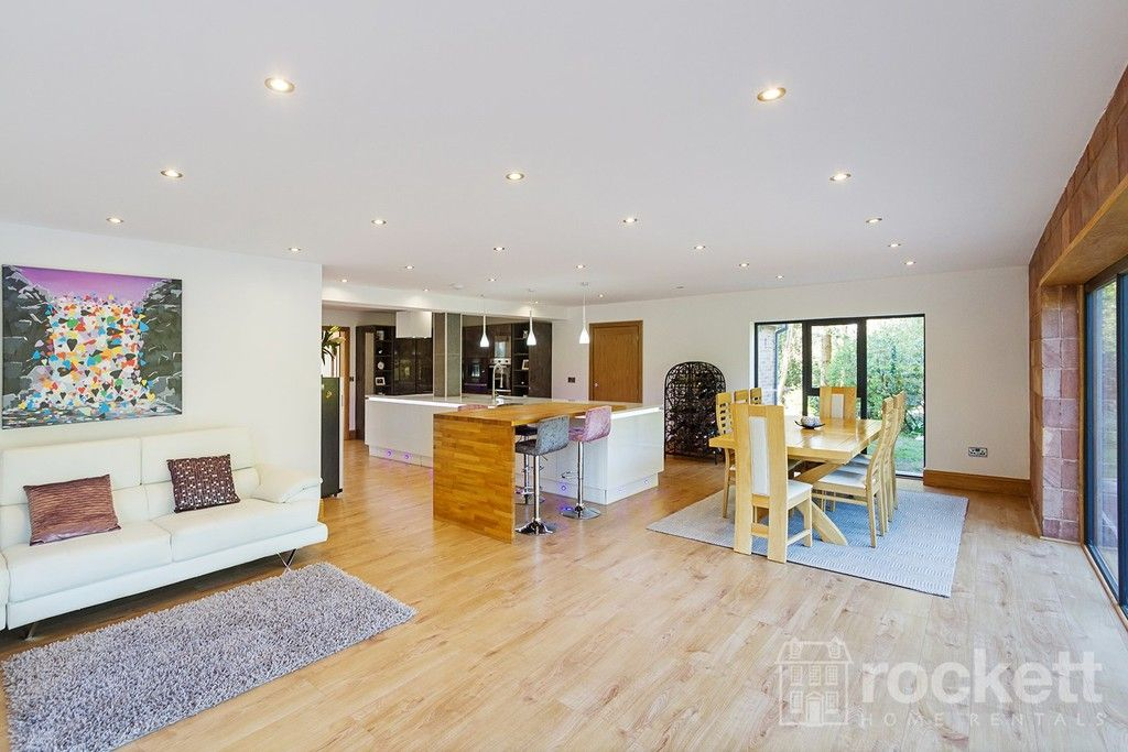 6 bed house to rent  - Property Image 7