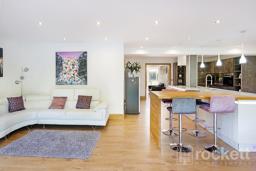 6 bed house to rent  - Property Image 8