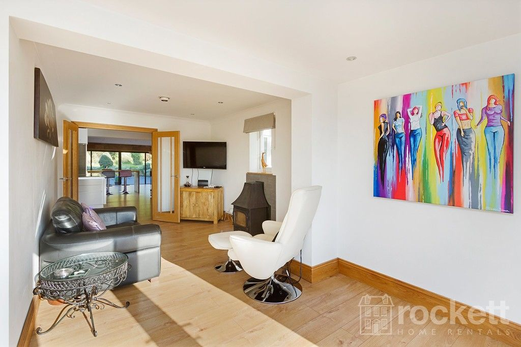 6 bed house to rent  - Property Image 76