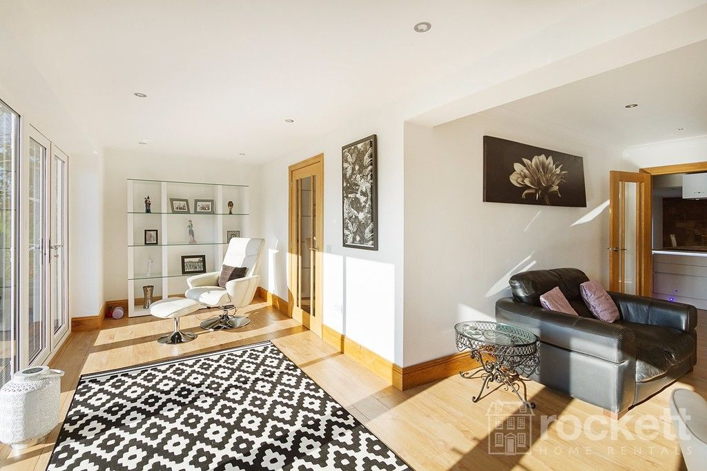 6 bed house to rent  - Property Image 77