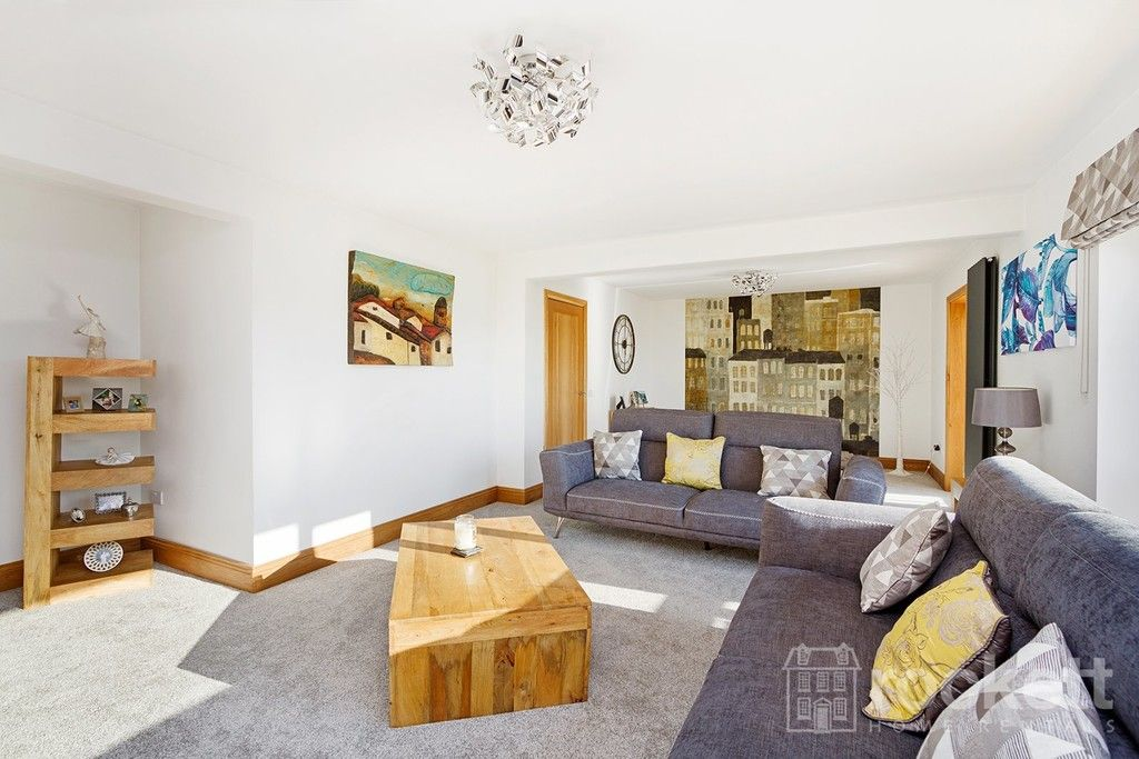 6 bed house to rent  - Property Image 86