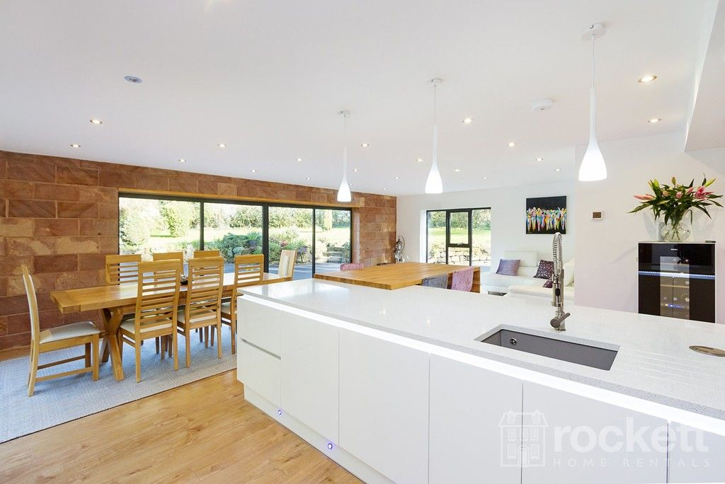 6 bed house to rent  - Property Image 10