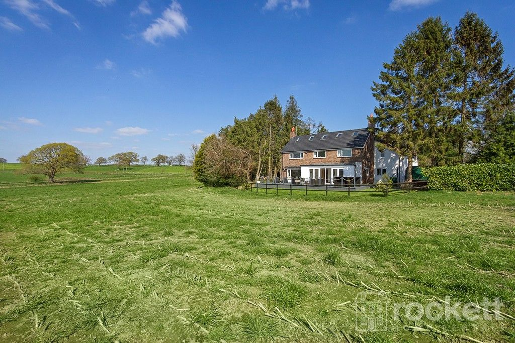 6 bed house to rent  - Property Image 91
