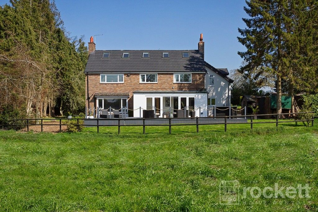 6 bed house to rent  - Property Image 92
