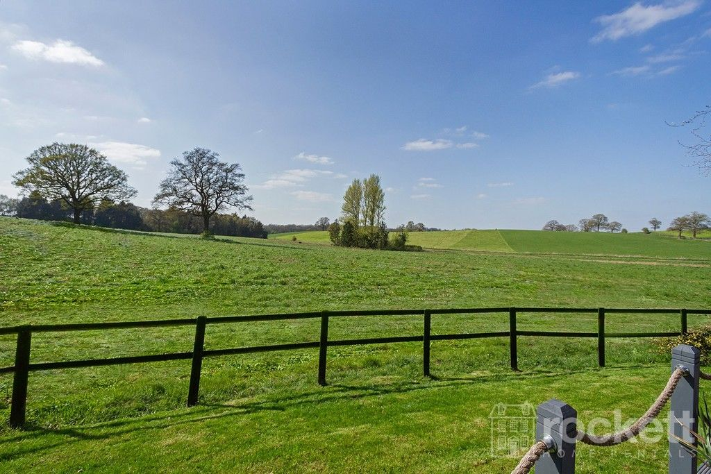 6 bed house to rent  - Property Image 95