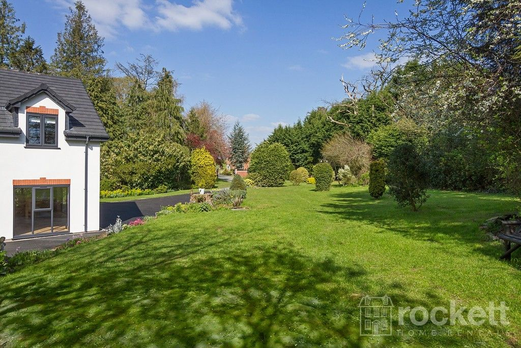 6 bed house to rent  - Property Image 97