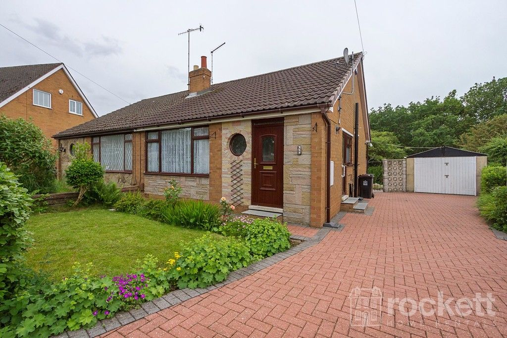2 bed bungalow to rent in Fearns Avenue, Newcastle Under Lyme