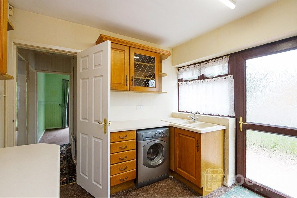 2 bed bungalow to rent in Fearns Avenue, Newcastle Under Lyme  - Property Image 11