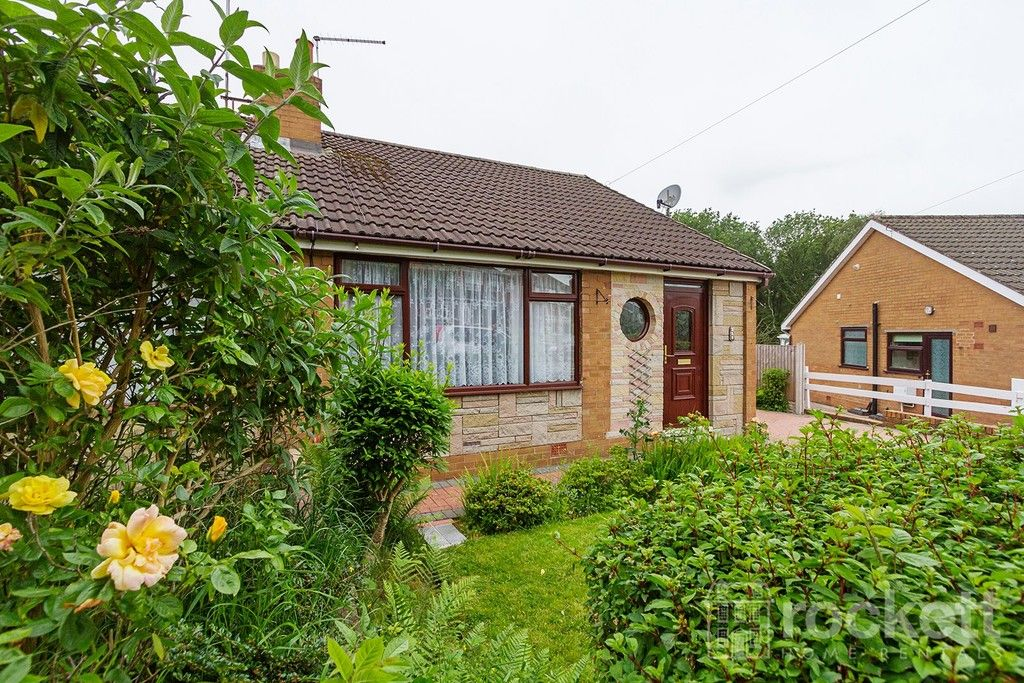 2 bed bungalow to rent in Fearns Avenue, Newcastle Under Lyme  - Property Image 4
