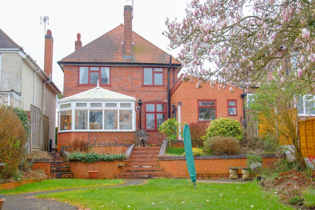 3 bed detached for sale in Stourbridge Road, Fairfield, Bromsgrove, B61 12