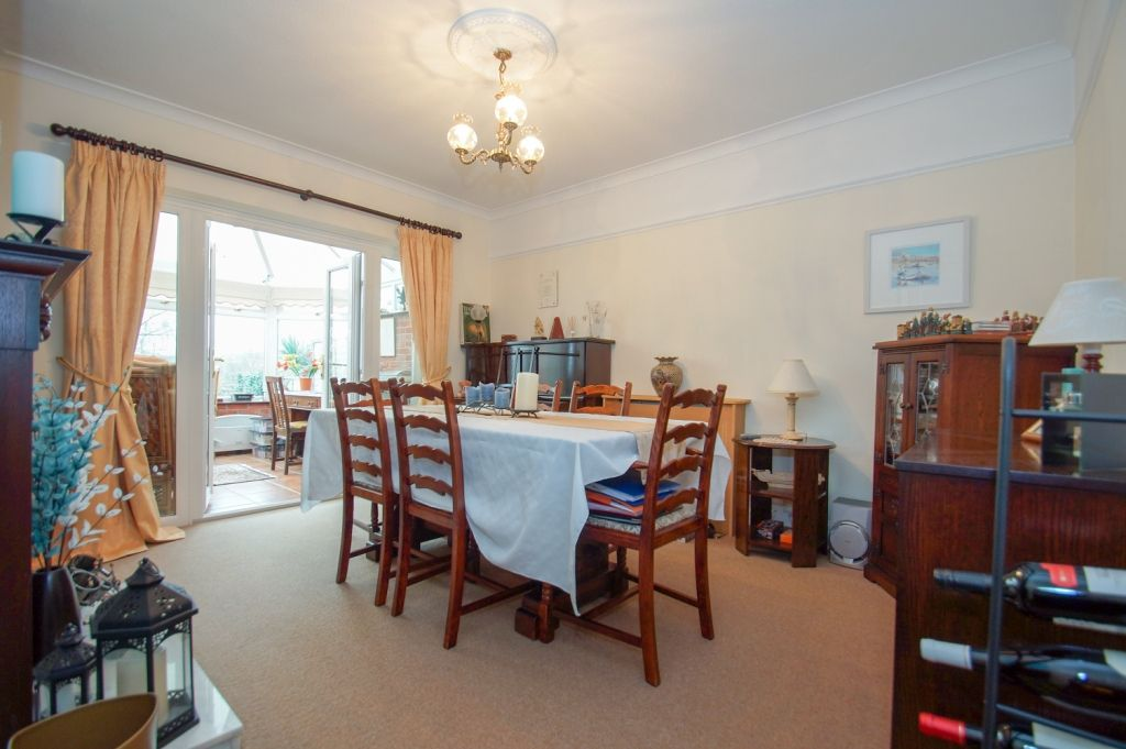 3 bed detached for sale in Stourbridge Road, Fairfield, Bromsgrove, B61 5