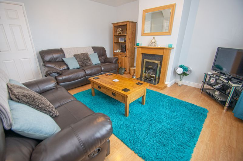 3 bed house for sale in Cobnall Road  - Property Image 2
