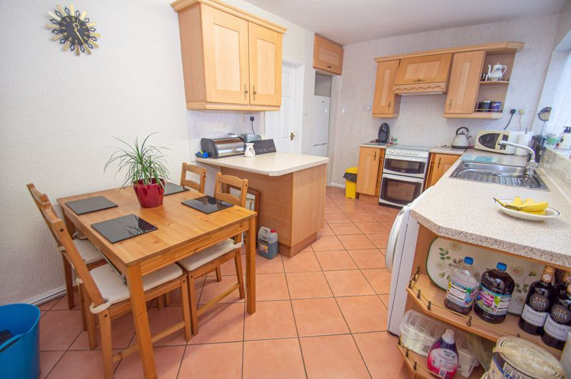 3 bed house for sale in Cobnall Road 4