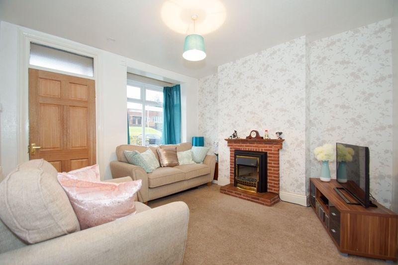 3 bed  for sale in Birmingham Road  - Property Image 2