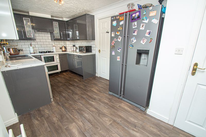 3 bed house for sale in Rosedale Close  - Property Image 2