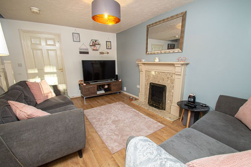 3 bed house for sale in Rosedale Close 3