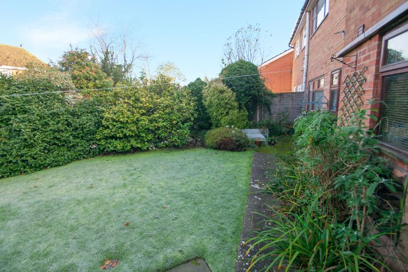 3 bed house for sale in Field Lane 11