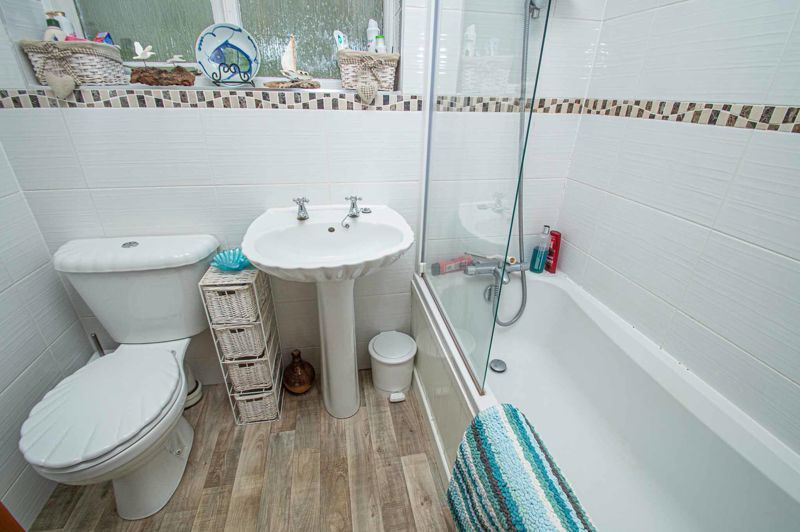 2 bed bungalow for sale in High House Drive 8