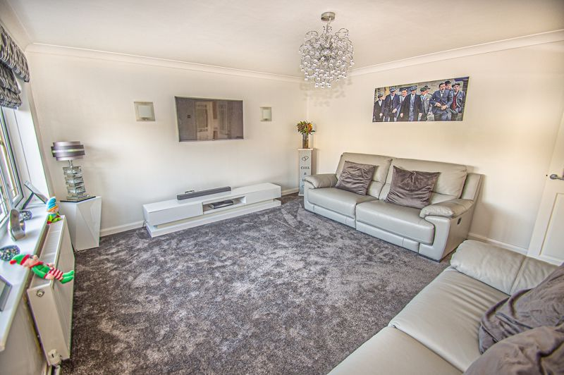 5 bed house for sale in Wolverton Close  - Property Image 2