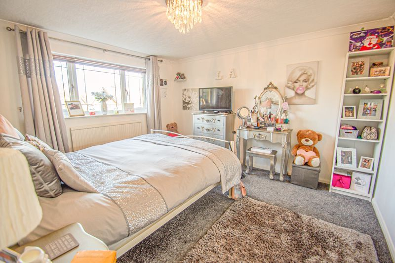 5 bed house for sale in Wolverton Close  - Property Image 12