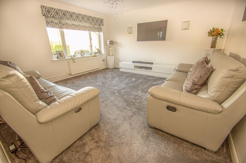 5 bed house for sale in Wolverton Close 4
