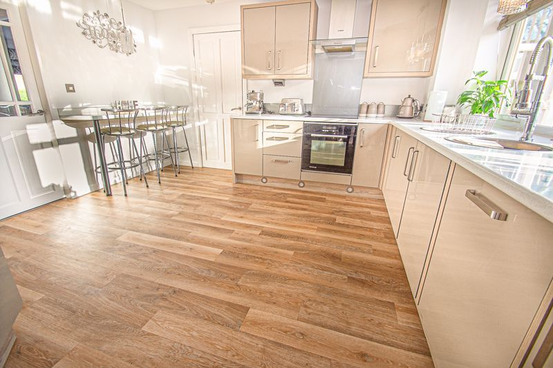 5 bed house for sale in Wolverton Close 6