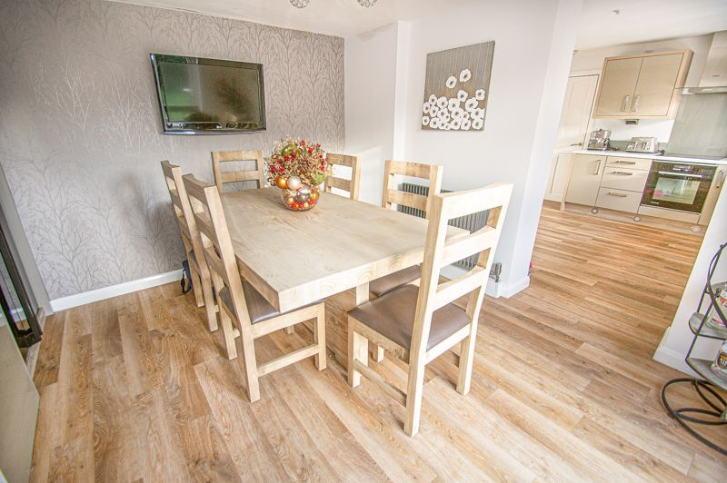 5 bed house for sale in Wolverton Close 7