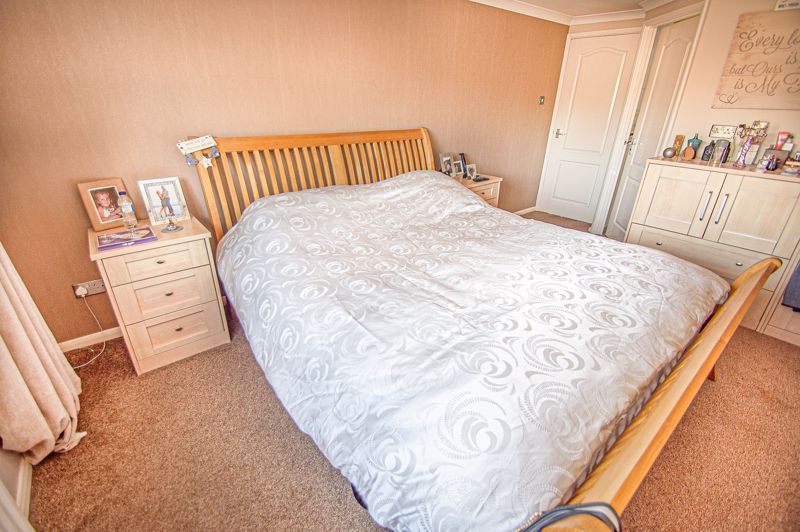 5 bed house for sale in Wolverton Close  - Property Image 9