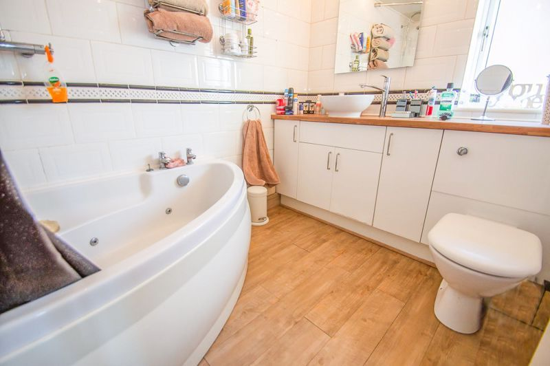 5 bed house for sale in Wolverton Close  - Property Image 10