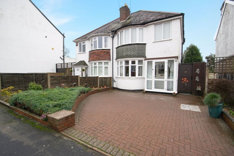 3 bed house for sale in Birch Road  - Property Image 1