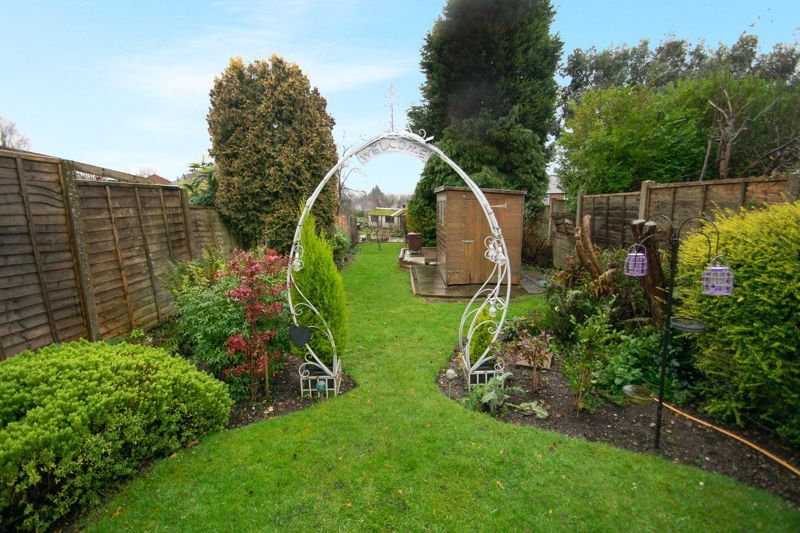 3 bed house for sale in Birch Road 4