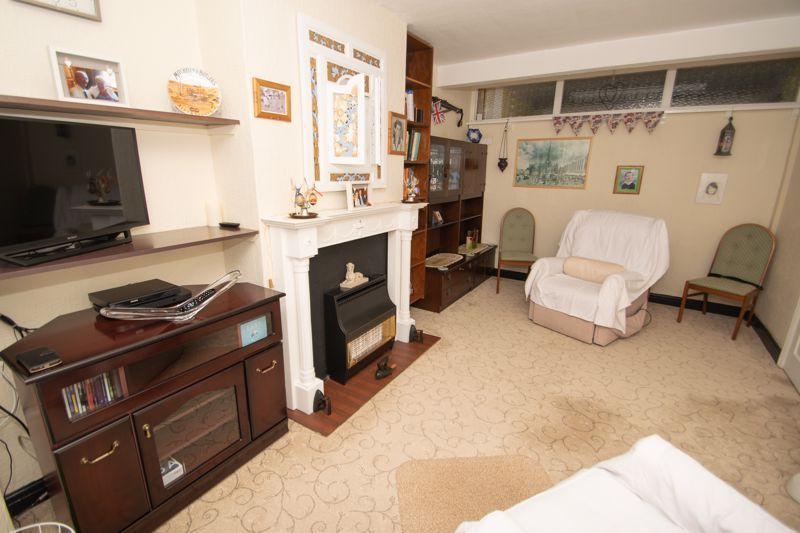 3 bed house for sale in Birch Road 5