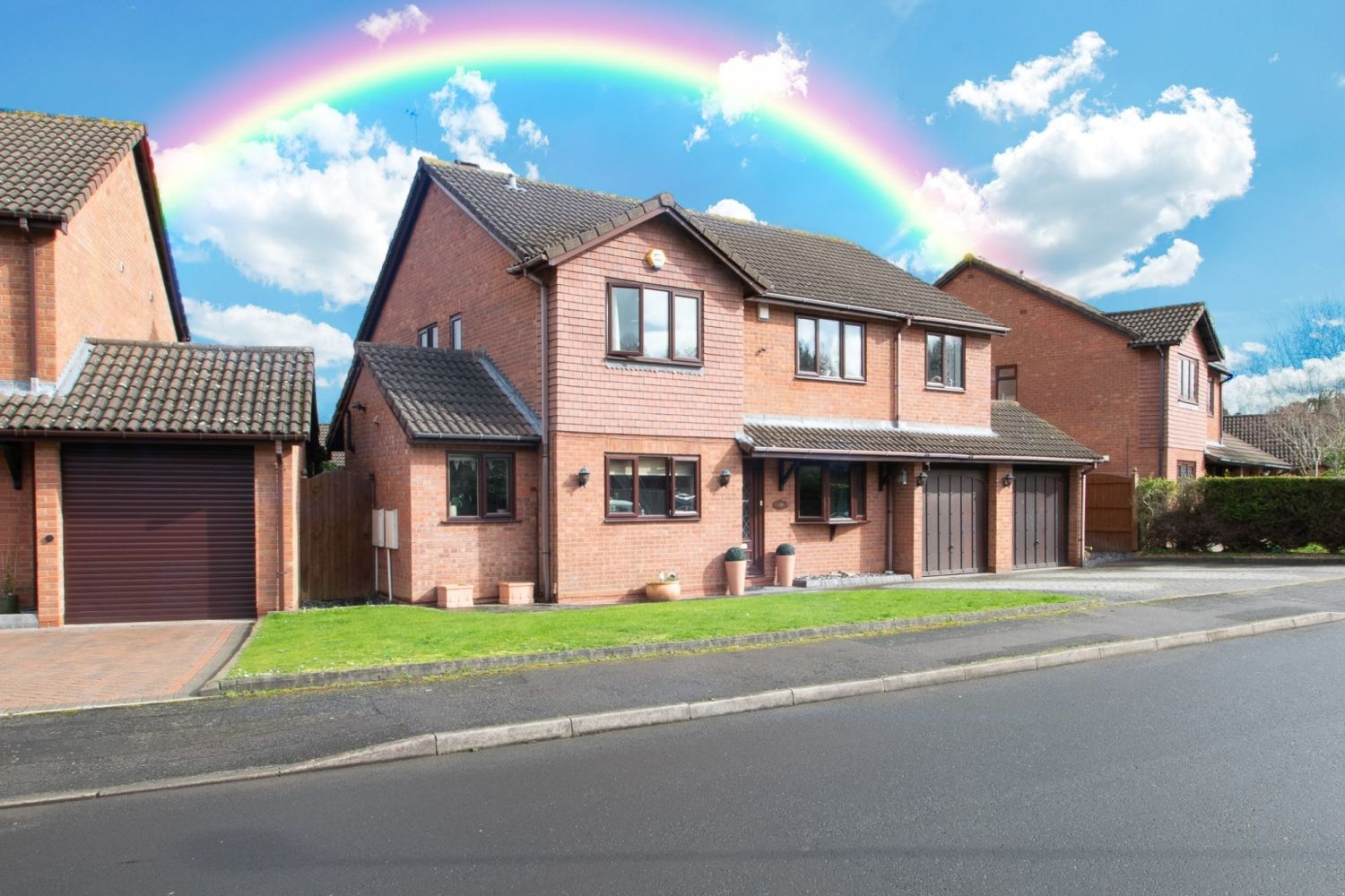 5 bed detached for sale in Melrose Avenue, Oldswinford, Stourbridge  - Property Image 1