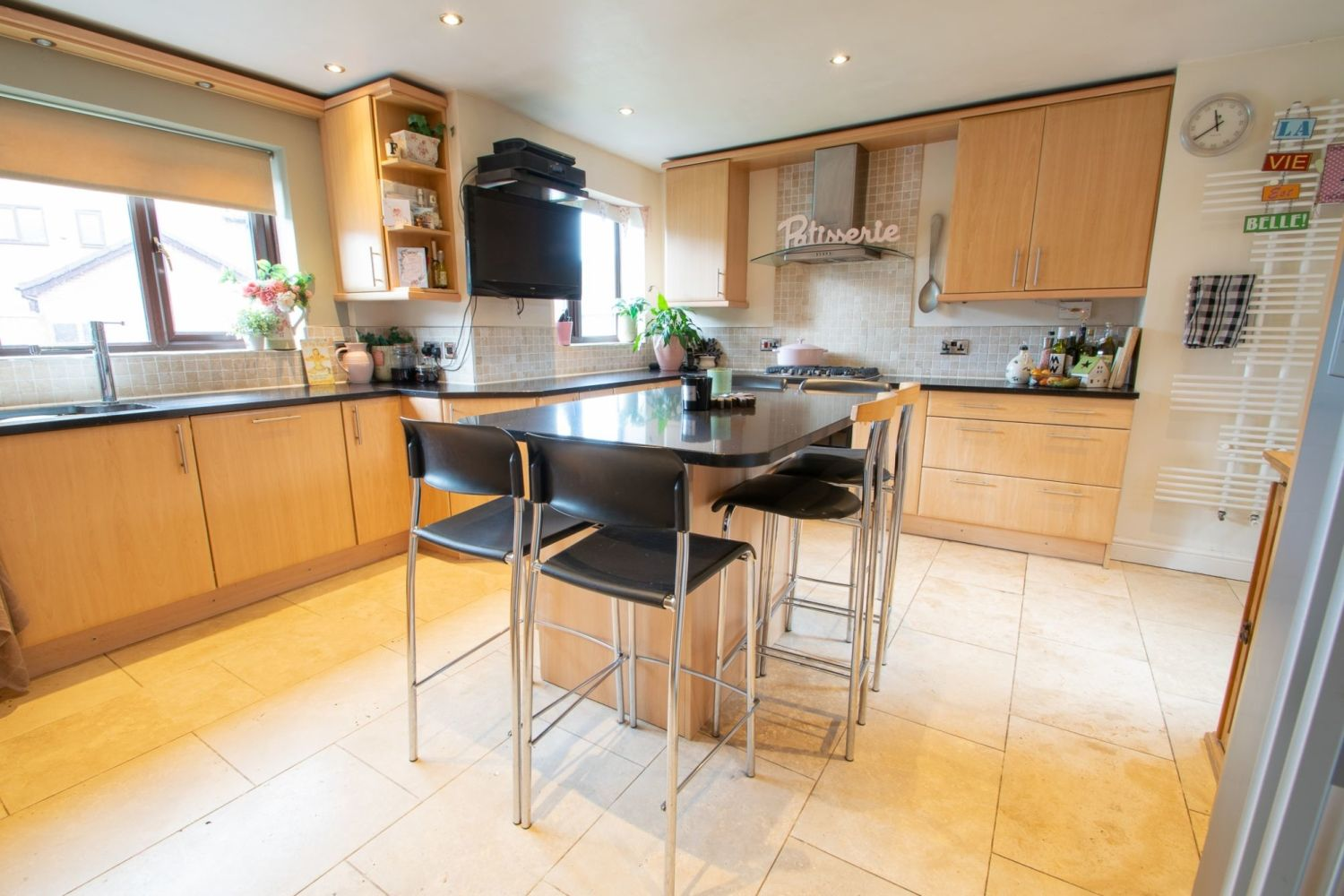 5 bed detached for sale in Melrose Avenue, Oldswinford, Stourbridge 4
