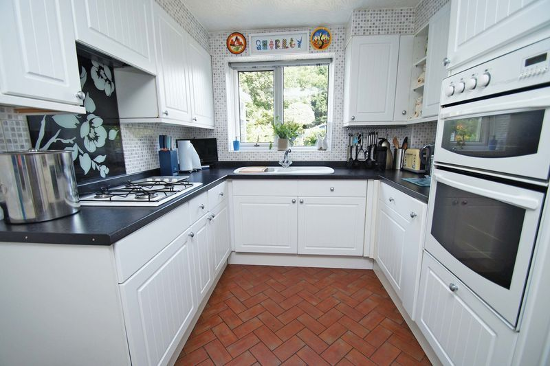 5 bed house for sale in Cranham Close  - Property Image 8