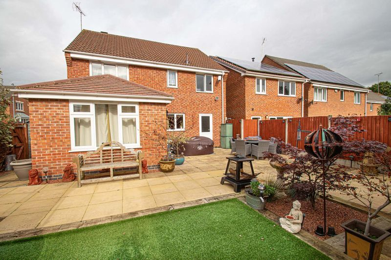 4 bed house for sale in Harris Close  - Property Image 14