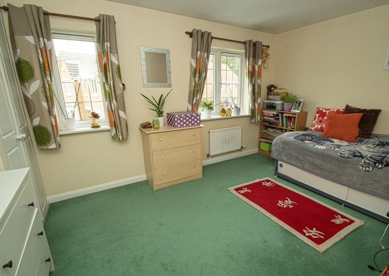 4 bed house for sale in Harris Close  - Property Image 10