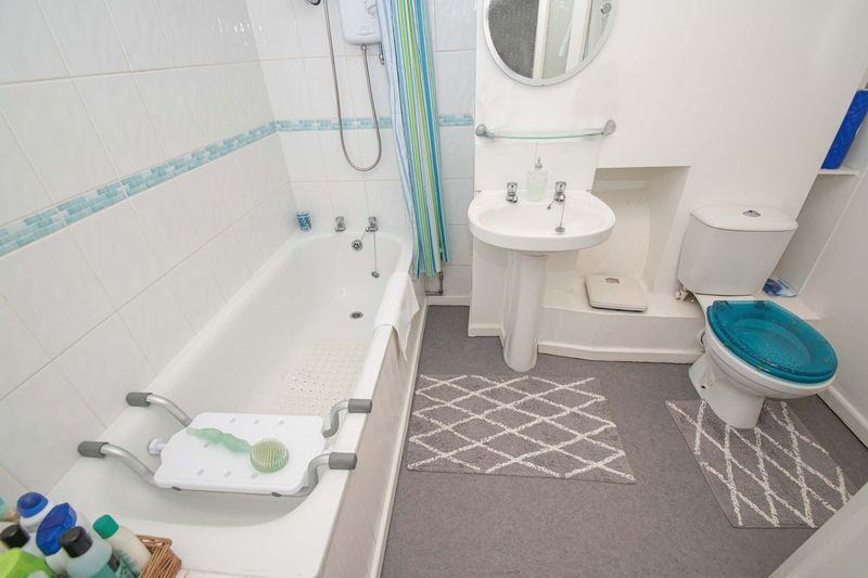 2 bed house for sale in Orchard Road  - Property Image 10