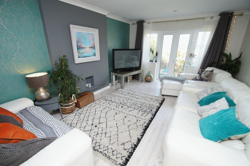 3 bed house for sale in Kestrel View  - Property Image 2