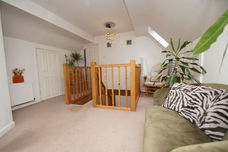 3 bed house for sale in Kestrel View 14