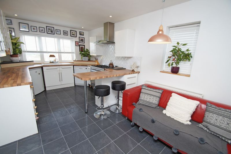 3 bed house for sale in Kestrel View 5