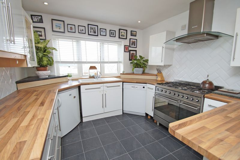 3 bed house for sale in Kestrel View 6