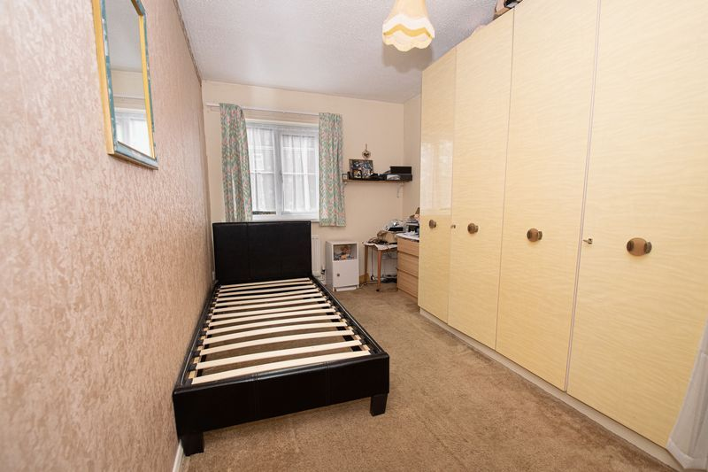 2 bed flat for sale in New Road  - Property Image 14