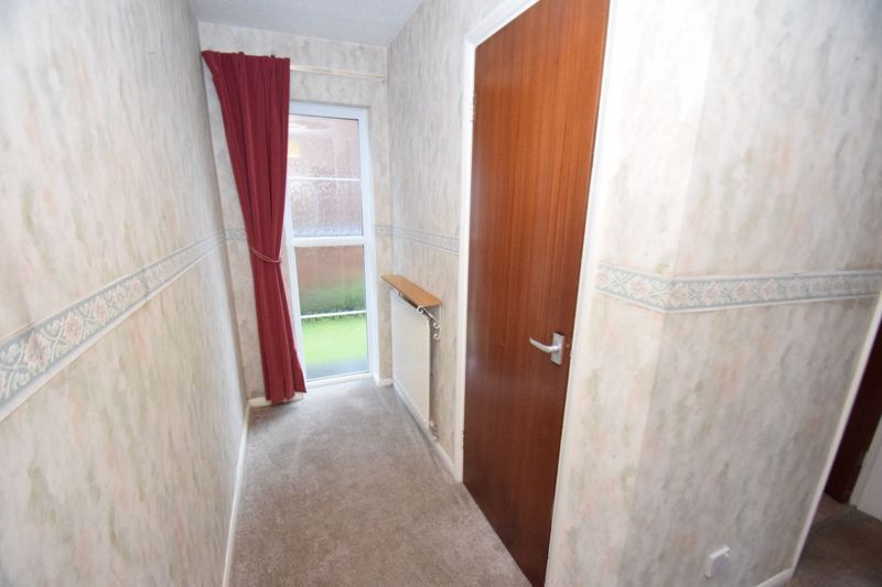 2 bed flat for sale in New Road  - Property Image 15
