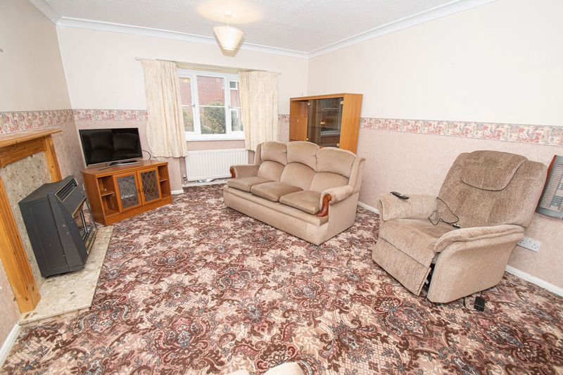 2 bed flat for sale in New Road  - Property Image 3