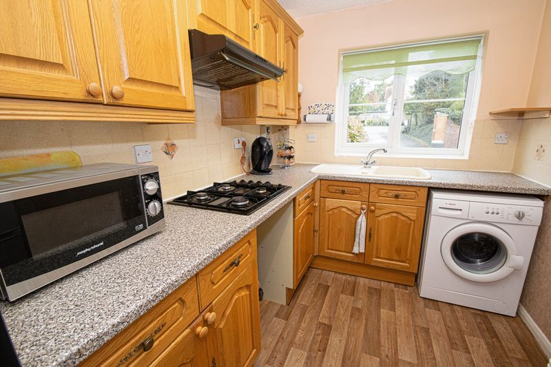 2 bed flat for sale in New Road  - Property Image 7