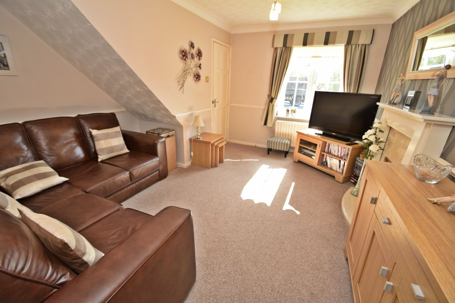 2 bed terraced for sale in Abbey Close, Oakalls, Bromsgrove  - Property Image 3