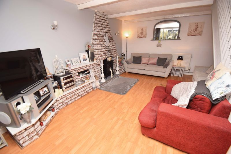 3 bed house for sale in Sutton Close 4